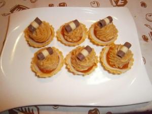 Košíčky s marcipánem a karamelovým krémem