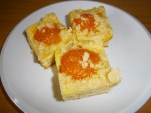 Kynutý meruňkový koláč s tvarohem