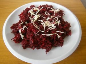 Salát z červené řepy a křenu