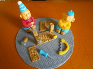 Pat a Mat montují stolek