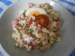 Salát se šunkou a rajčaty