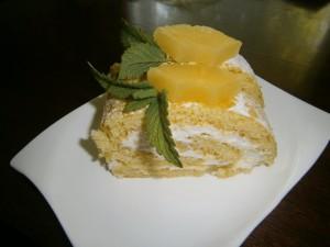 Ananasová roláda