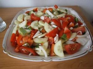 Míchaný zeleninový salát