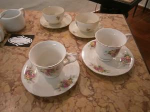 Porcelánové šálky na bílou kávu z