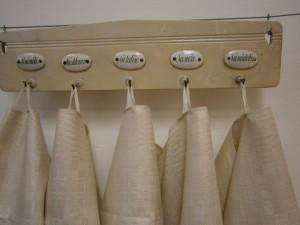 Věšáček s ručníky v cukrářské výrobně