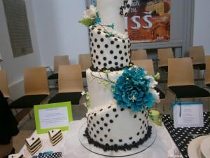 """Svatební dort """"křivý"""""""