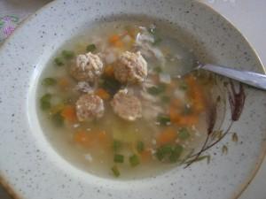 Drůbeží polévka s masovými knedlíčky