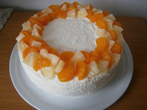 Cheesecake plněný broskvemi