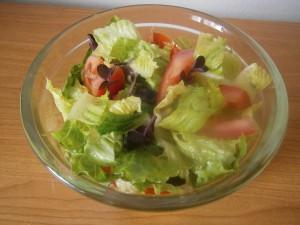 Římský salát s rajčaty