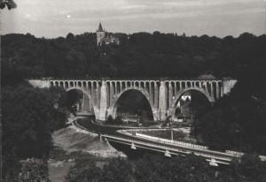 Celkový pohled na viadukt a okolí