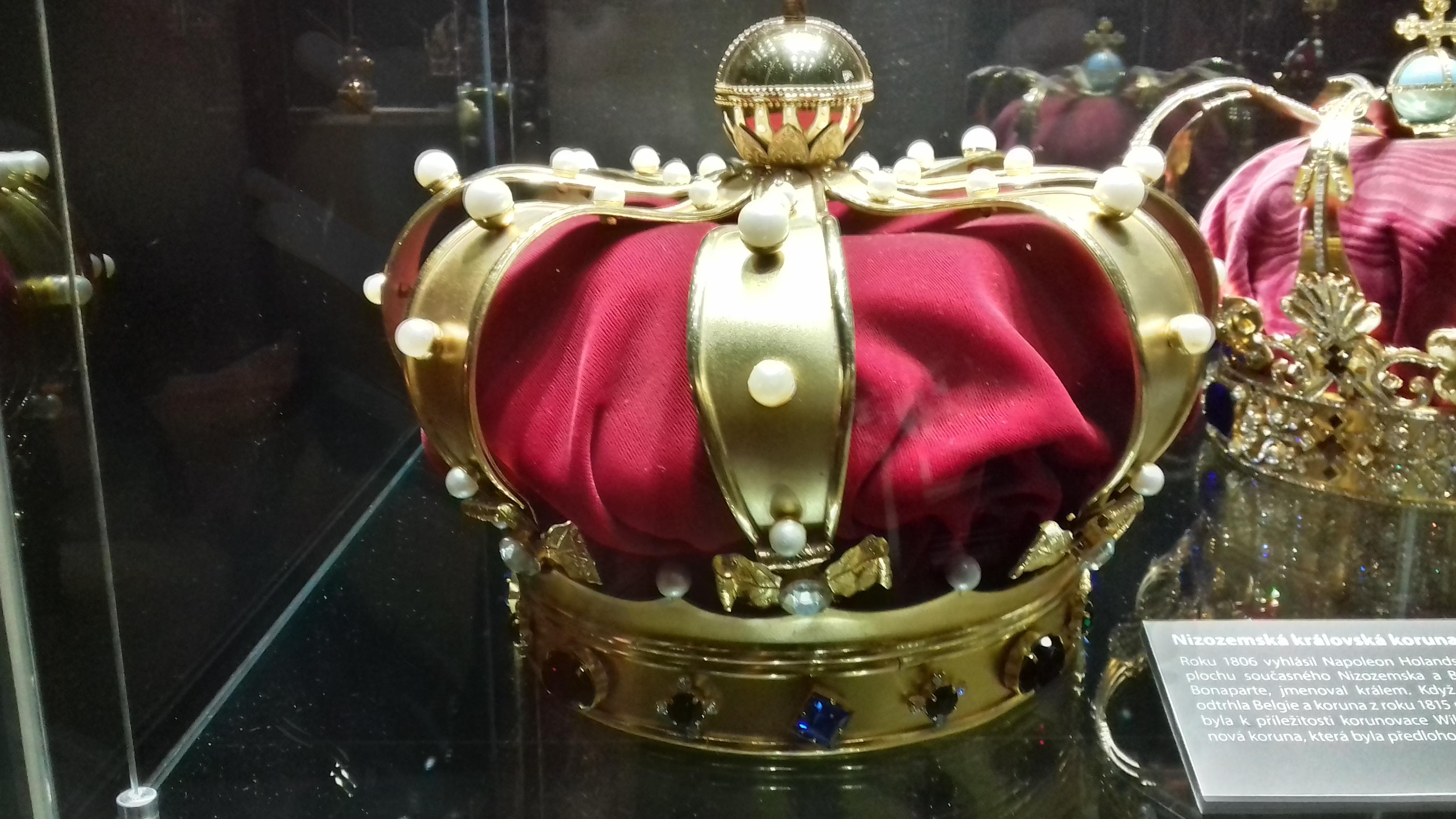 Dědičná královská koruna krále Karla X. Gustava Švédského 5d580c1ddf